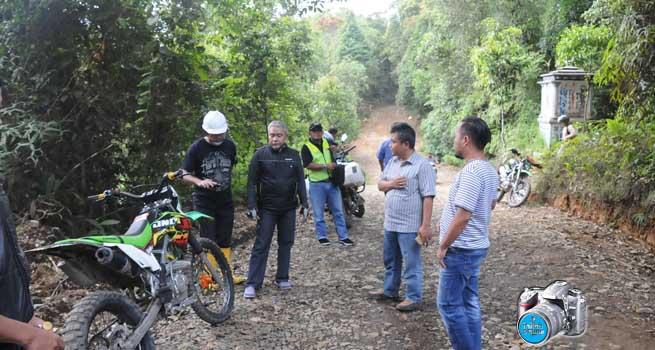 Sekda Kabupaten Bogor Tinjau Langsung Pembangunan Jalan Pasir Ipis – Garehong