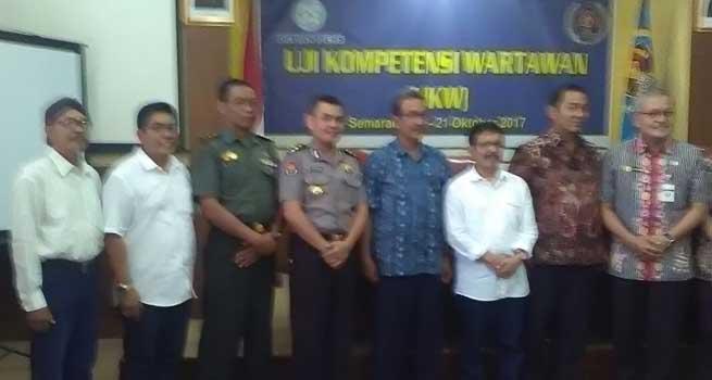 Gubernur Jateng, Wartawan Diharapkan Kritis Terhadap Pemerintah dan Beri Masukan Konstruktif