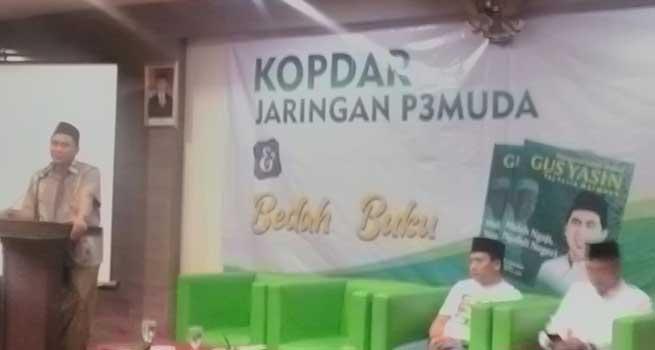 Cerita Gus Yasin Muda Bantu Ibunya Jualan Es Lilin