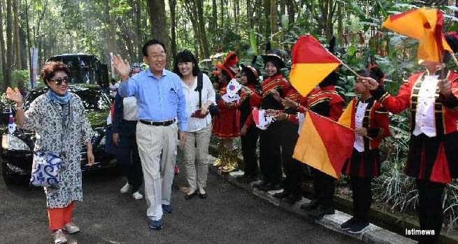 Gubernur Gyeongsangbuk-Do Terkesan dengan Taman Hutan Raya Jawa Barat