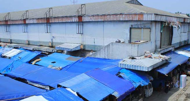 Kisruh Revitalisasi Blok F Pasar Kebon Kembang, Pedagang Pertanyakan Penggunaan 20 Lembar Materai