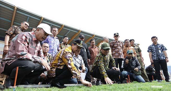Iwa Karniwa : Stadion Jalak Harupat Siap Digunakan untuk Perhelatan Asian Games XVIII 2018