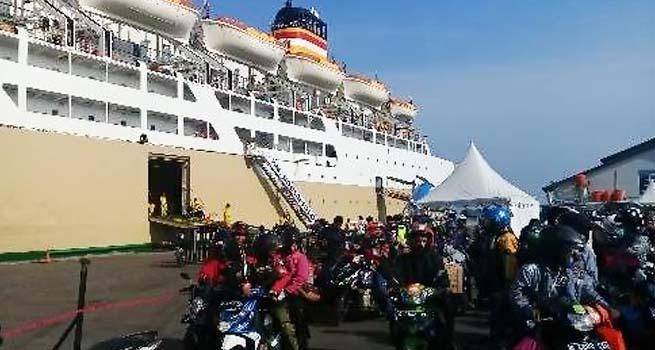 Gelombang Pemudik Gratis Mulai Bersandar di Pelabuhan Tanjung Emas Semarang