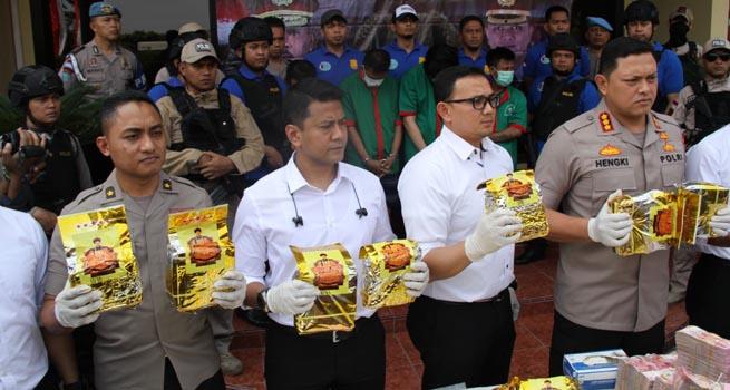 Polres Jakbar Sita 30 Kg Sabu Hasil Pengembangan Jaringan Narkoba Internasional Lintas Jakarta-Bandung