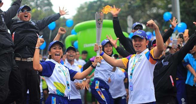 Bima Arya Jadi Pelari Torch Relay Asian Games Terpanjang
