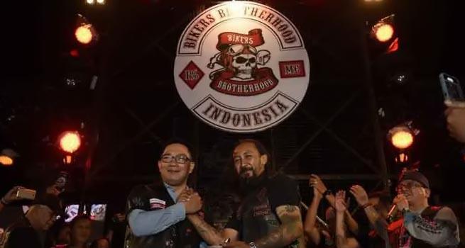 Bikers Brotherhood Jadikan Ridwan Kamil Sebagai Honorary Member