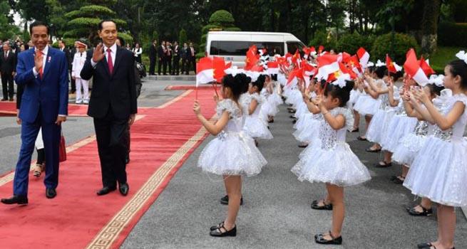 Disambut Upacara Kenegaraan Di Vietnam