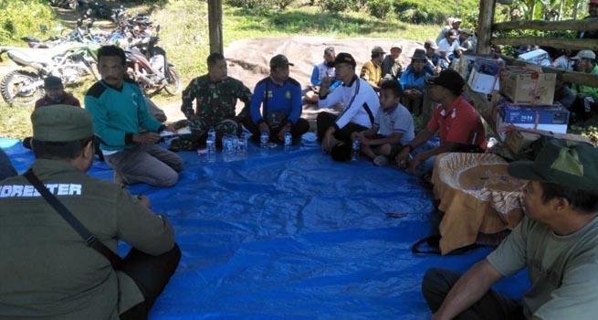 Jaga Kelestariah Kawasan Hutan, Forkopimka Gucialit Bina LMDH