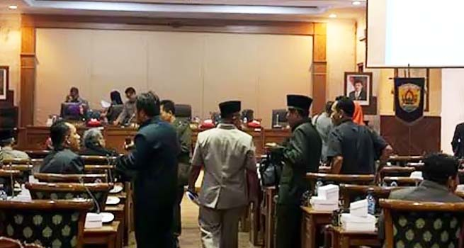 Diwarnai Interupsi Pembahasan Penyertaan Modal dalam Paripurna DPRD Jateng