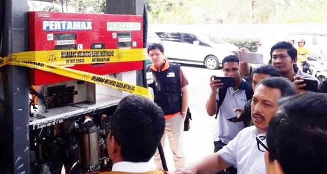 Langgar Undang-Undang Metrologi, Dirjen PKTN Kemendag Segel Dua SPBU di Kota Bandung
